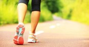 Just a 45-minute brisk walk a week can improve arthritis