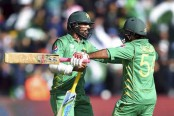 Sarfraz Ahmed's unbeaten 61 powers Pakistan to Champions Trophy semifinal